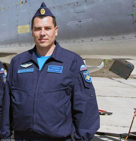 12 gio dao thoat ly ky cua phi cong Su-24 Nga trong phong tuyen khung bo - Anh 14