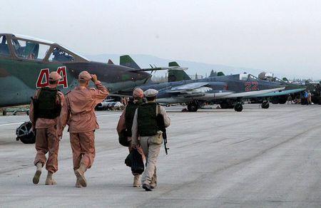Syria nong bong sau ngay tham hoa Su-24 - Anh 14