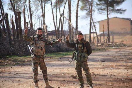 Syria nong bong sau ngay tham hoa Su-24 - Anh 20