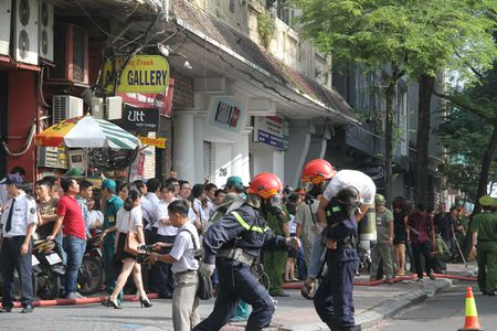TP Ho Chi Minh: Cam 3 tuyen duong, 2000 nguoi tong duyet chua chay tai trung tam thanh pho - Anh 3
