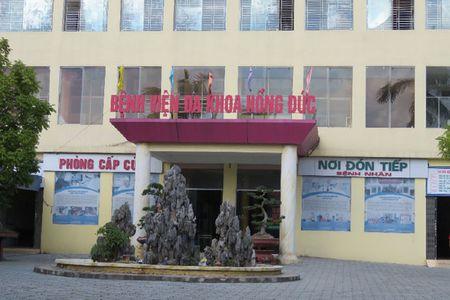 Benh vien da khoa Hong Duc (Hai Phong): Nguoi lao dong bi no 2 ti dong tien luong - Anh 1