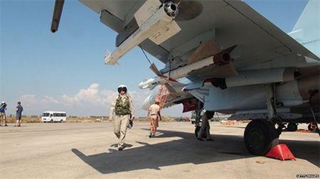 Nga se trien khai them may bay tiem kich toi Syria - Anh 1