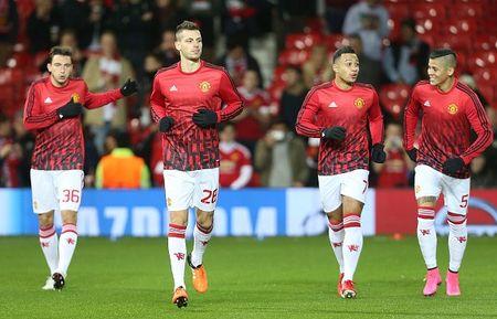 MU 0-0 PSV (H1): Rooney va Martial tro lai sau chan thuong - Anh 1