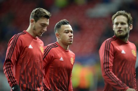 MU 0-0 PSV (H1): Rooney va Martial tro lai sau chan thuong - Anh 2