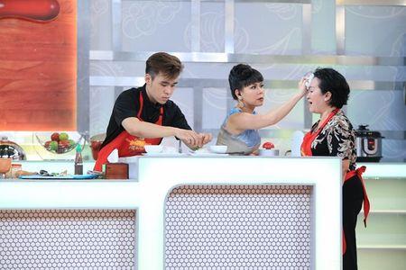 Viet Huong xui thi sinh bo nau, dung cau nguyen - Anh 4