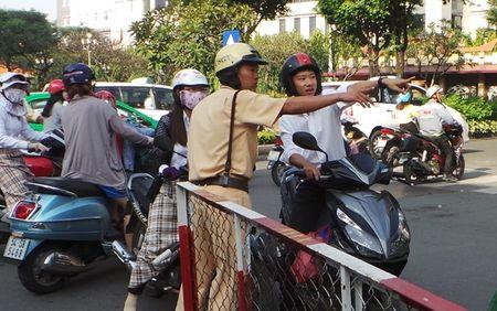 Nguoi dan Sai Gon boi roi vi lenh cam duong - Anh 8