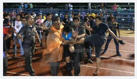 De CDV danh trong tai, CLB Thai Lan bi cam thi dau 3 nam - Anh 1
