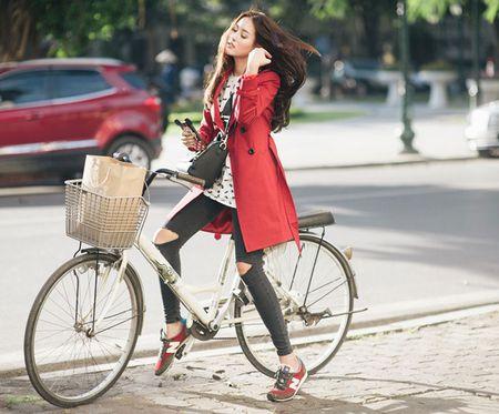 Ha Lade goi y phoi do ngay dong voi ao choang dai - Anh 2