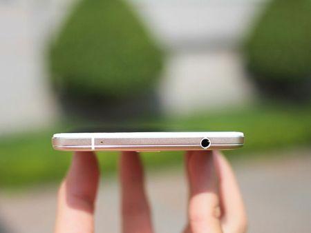 """Dap hop"" smartphone man hinh khong lo cua Oppo - Anh 15"