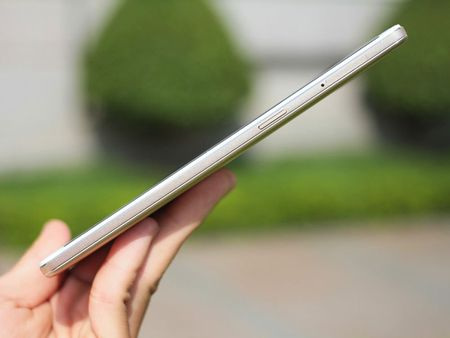 """Dap hop"" smartphone man hinh khong lo cua Oppo - Anh 19"