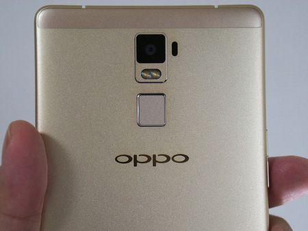"""Dap hop"" smartphone man hinh khong lo cua Oppo - Anh 22"