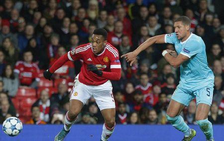 Cac huyen thoai Man United cung chi trich Martial va Rooney - Anh 1