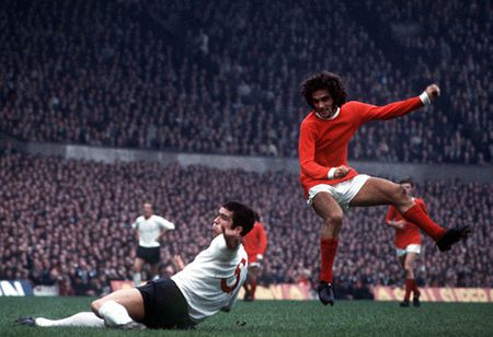 CDV Man United thap sang Old Trafford tuong nho George Best - Anh 7