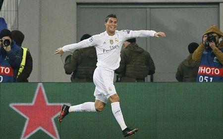 Ronaldo toa sang, Real danh bai Shakhtar - Anh 1