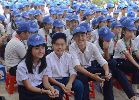"""Oc Thanh Van hoi ngo cung dan dien vien """"Hoa vang co xanh"""" - Anh 1"""
