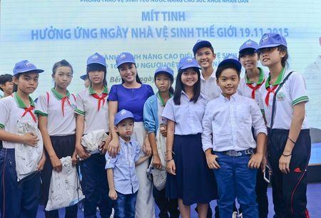 """Oc Thanh Van hoi ngo cung dan dien vien """"Hoa vang co xanh"""" - Anh 2"""