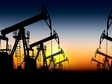 Gia dau lao doc trong khi nguon cung tu OPEC van tang manh - Anh 1