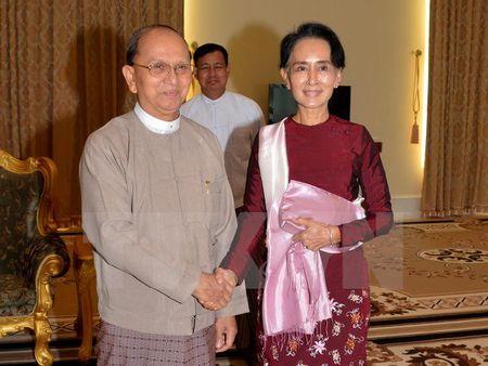 Myanmar: Tong thong va thu linh NLD thao luan ve chuyen giao quyen luc - Anh 1