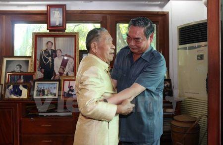 Thuong truc Ban Bi Thu tham cac nguyen lanh dao cap cao Lao - Anh 1