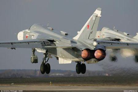 Truong hoc Nga keu goi hoc sinh gop tien mua Su-24 - Anh 1