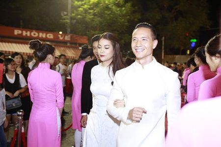 Dinh Ngoc Diep, Victor Vu lan dau xuat hien sau dinh hon - Anh 9