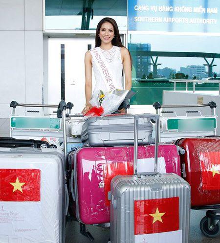 Pham Huong mang 8 va li hanh ly den Hoa hau Hoan vu - Anh 1