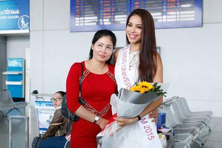 Pham Huong mang 8 va li hanh ly den Hoa hau Hoan vu - Anh 6