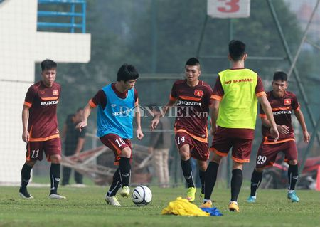 Cong Phuong lap 'hat-trick' trong buoi tap cua U23 Viet Nam - Anh 4