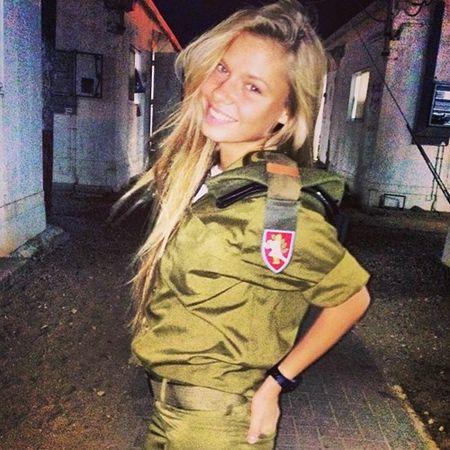 Nu quan nhan Israel xinh dep, nong bong chang kem hot girl - Anh 7