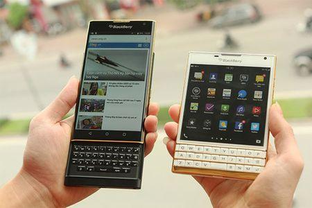 Ngam dien thoai BlackBerry Priv ma vang gia 25 trieu dong tai VN - Anh 7