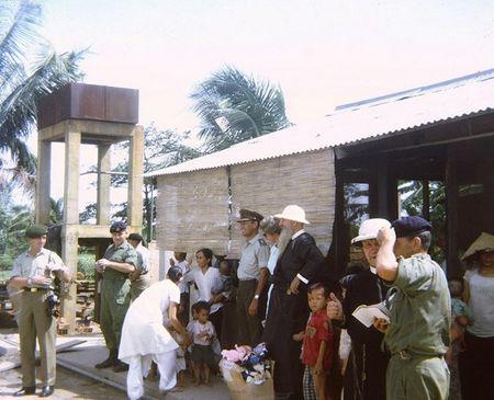 Mien Nam Viet Nam nam 1967 trong anh cua Robert Plumtree (1) - Anh 6