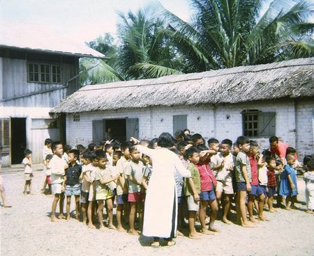 Mien Nam Viet Nam nam 1967 trong anh cua Robert Plumtree (1) - Anh 9