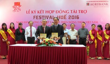 Agribank Viet Nam tai tro 3 ty dong cho Festival Hue 2016 - Anh 1