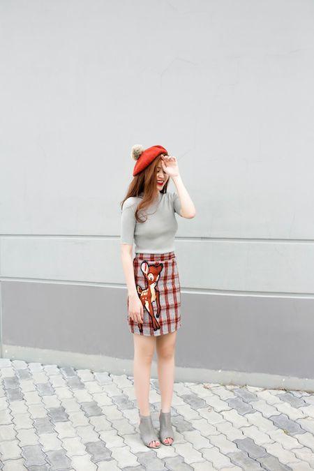 Hoang Thuy Linh 'ham nong' ngay dong voi dam xuyen thau sexy - Anh 3