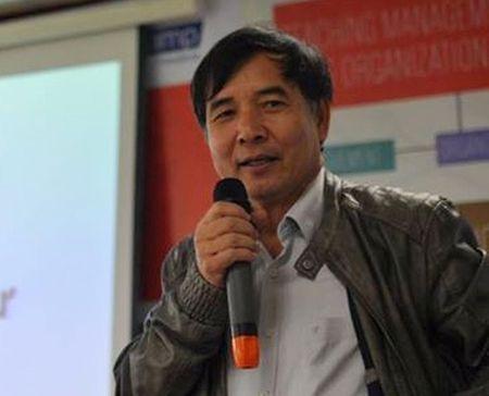 TS Le Truong Tung: 'Day cho sinh vien tu hoc la su menh cua truong dai hoc' - Anh 1