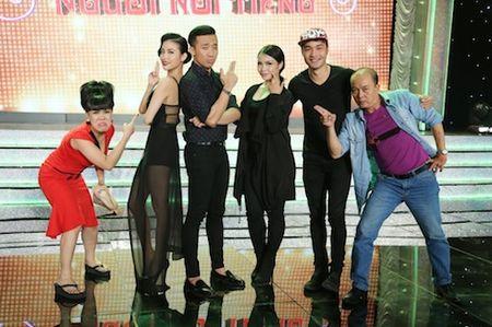 Tran Thanh, Mai Ho bat chuoc Angelina Jolie - Brad Pitt gay 'sot' - Anh 3