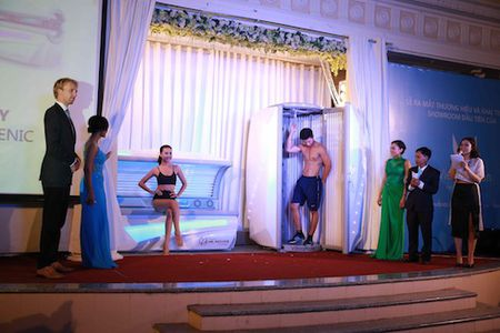 Thu Thuy khoe vong mot tao bao - Anh 10
