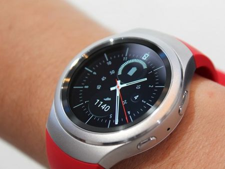 Dong ho Samsung Gear S2 se ho tro iPhone - Anh 1