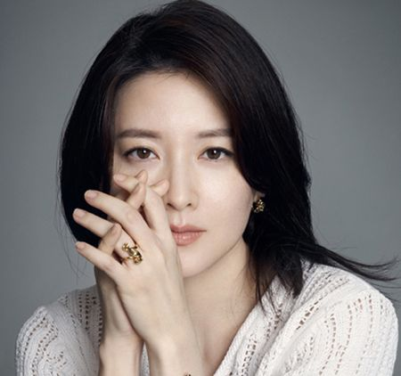 Lee Young Ae: That kho khi tro lai dong phim luc da lam me - Anh 2