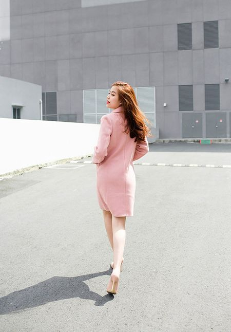 Hoang Thuy Linh khoe street style dep khong can dat - Anh 5