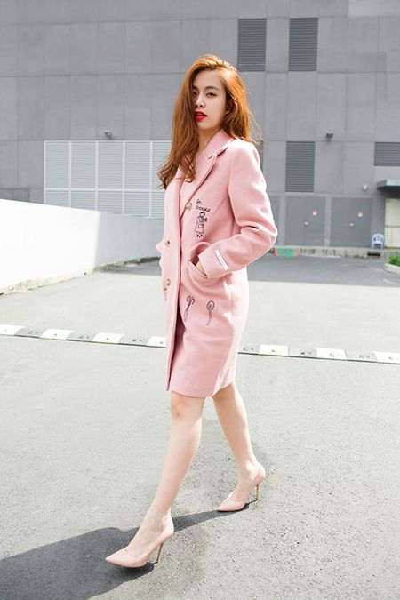 Hoang Thuy Linh khoe street style dep khong can dat - Anh 6
