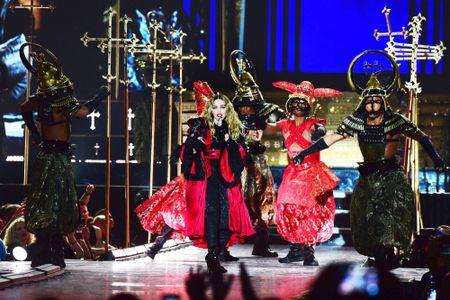 Madonna 57 tuoi van sung suc tren san khau - Anh 1