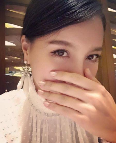 MC Minh Ha tai xuat sau scandal 'cap ke' dien vien Chi Nhan - Anh 5