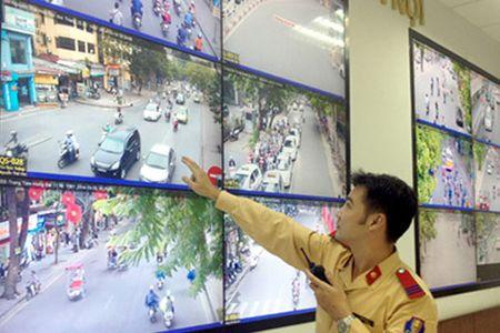 Tu 1/12, co them 100 camera xu phat vi pham giao thong tai Ha Noi - Anh 1