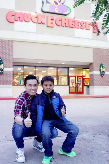 Lam Truong hanh phuc khi gap lai con trai - Anh 1