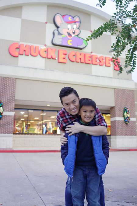 Lam Truong hanh phuc khi gap lai con trai - Anh 2