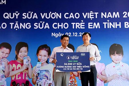 Trong 10.000 cay xanh tai khu di tich duong Ho Chi Minh tren bien - Anh 3