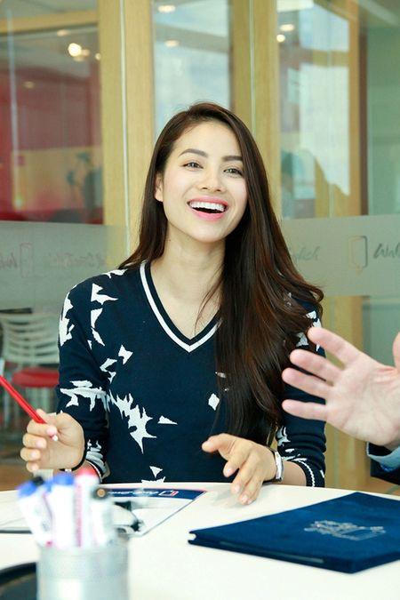 Pham Huong mang ca tu giay di thi Hoa hau Hoan vu 2015 - Anh 3