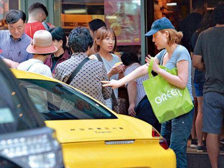 'Tham hoa tham my' Hong Kong ra duong voi mat moc 'gay soc' - Anh 1