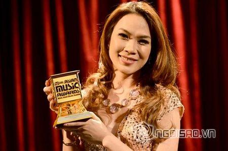 Dong Nhi doat giai 'Nghe si chau A xuat sac nhat' tai MAMA 2015 - Anh 6